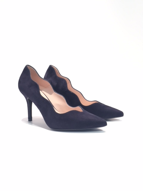 Marian Scalloped Shoes in Navy Suede